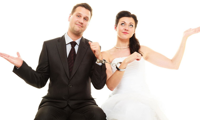 Dla mężczyzn liczy się uroda, a dla kobiet - pieniądze?