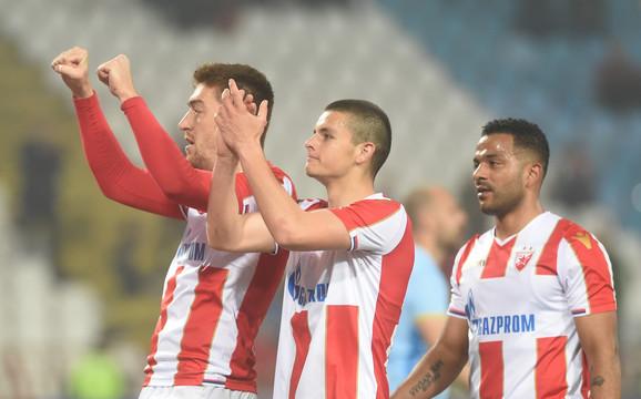 Milan Pavkov, Dejan Joveljić i Lorenco Ebisilio slave pobedu nad Zemunom