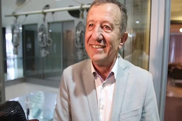 IDE ŠARENOM STAZOM: Nakon potvrde da prelazi na Pink, Žika Nikolić je ovo poručio svom zameniku!Video