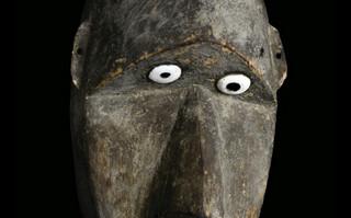 """Wymierająca sztuka z Nowej Gwinei na wystawie """"Złoto Papuasów"""""""