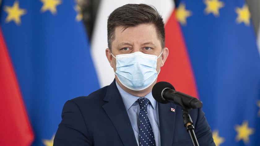 Spada zainteresowanie szczepieniami, a do Polski zbliża się niepokojący wariant delta - podkreślają przedstawiciele rządu