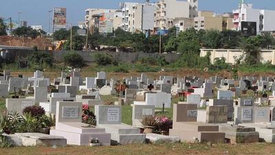 Hausse des inhumations : le cimetière Saint-Lazare bientôt fermé