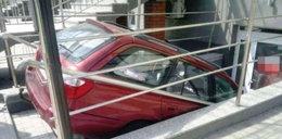 Kobieta wjechała autem do przychodni. W Biłgoraju