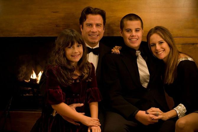 Džon Travolta sa porodicom