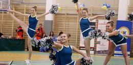 Piękne cheerleaderki i cheerleaderzy zatańczyli w Krakowie