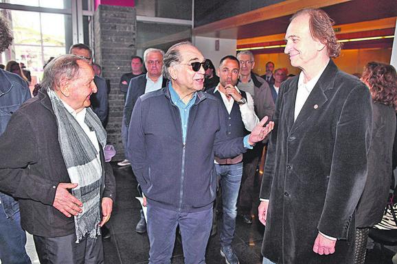 Tri generacije: Vlasta Velisavljević, Voja Brajović i Svetozar Cvetković
