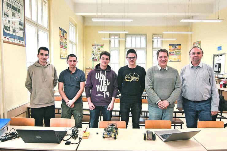 Novi Sad59 robot elektrotehnicka skola Mihajlo Pupin foto Nenad Mihajlovic