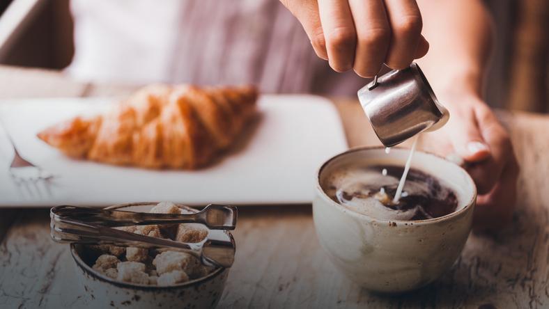 Kawiarnia w Warszawie wprowadza do oferty kawę z mlekiem kobiecym. W internecie burza