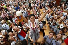 """""""OD MINHENA POČINJE BALKAN"""" Najveći svetski festival piva uveliko traje, ali ovo NIKAKO ne smete da radite tamo (FOTO, VIDEO)"""