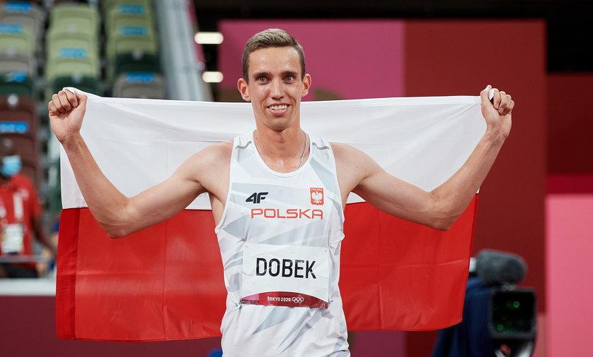 Patryk Dobek to sensacyjny medalista na 800 m.