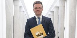 Maleje poparcie dla PiS. Szymon Hołownia ma powody do radości