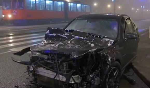 Uništen automobil