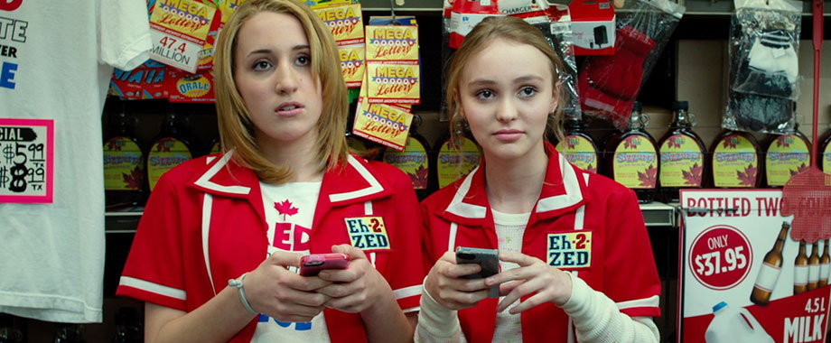 "Lily Rose Depp w filmie ""Yoga Hosers"" (2016)"