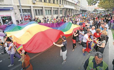 Zastava duginih boja