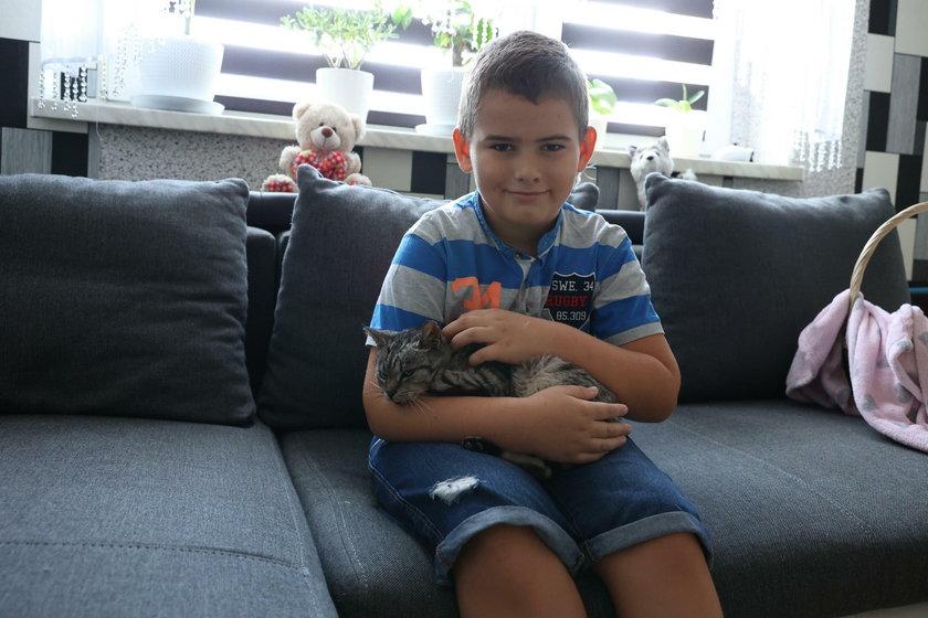 Przemek Strymecki (9l.) uratował bezdomną kotkę Kiarę