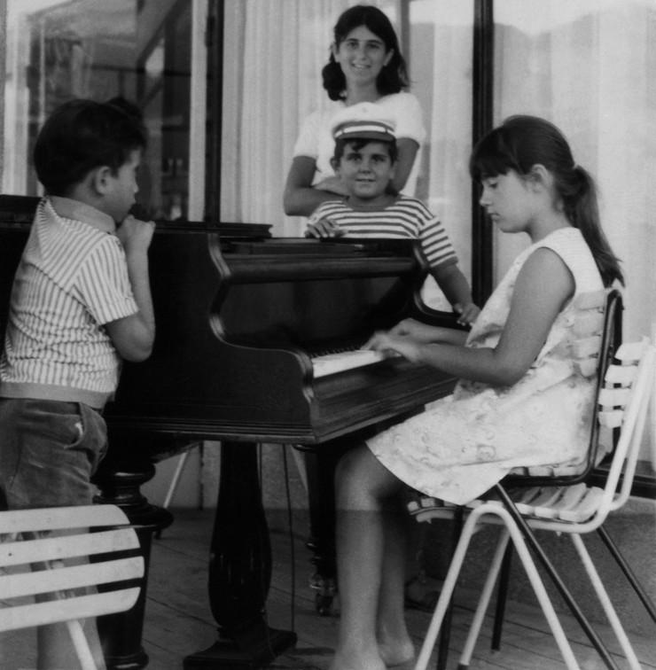 Bekstvo od stvarnosti: Magi za klavirom