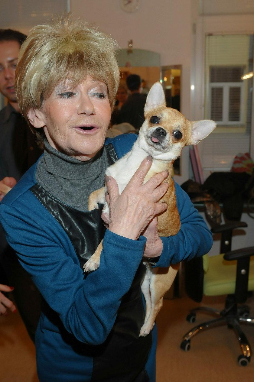 Maria Czubaszek z psem