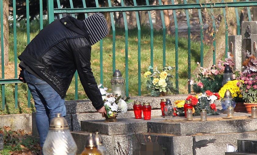 Hiena na cmentarzu.