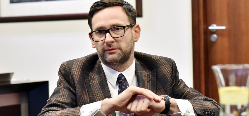 """""""Gazeta Wyborcza"""": Orlen przekazał środki fundacji, która wyremontuje dworek Daniela Obajtka"""