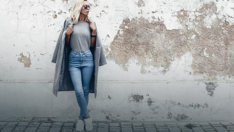 Jak dobrać jeansy do figury? Przewodnik po fasonach Moda