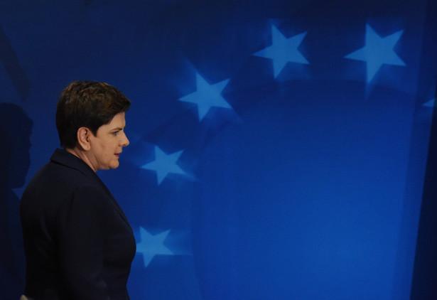 Premier Beata Szydło podczas konferencji prasowej po zakończeniu szczytu Unii Europejskiej