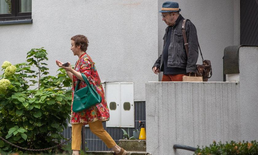 Gabriela Muskała i Zbigniew Zamachowski uratowali ślimaka.