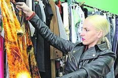 """POLOVNU ODEĆU KUPI ZA 500 EVRA I ZARADI TRI PUTA VIŠE """"Prvo sam uvozila garderobu iz Turske, ali ovo je DALEKO ISPLATIVIJE"""""""