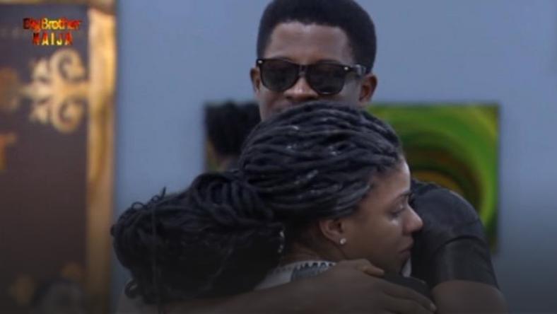 Seyi comforts Venita after she burst out crying [Africa Magic/BBNaija]