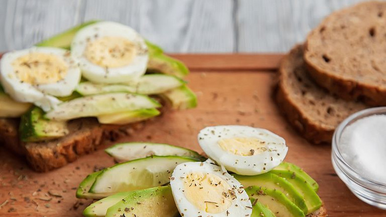 ___9203850___2018___12___16___9___two-avocado-sandwiches-with-egg-and-spices-on-a-royalty-free-image-1074813600-1544798517