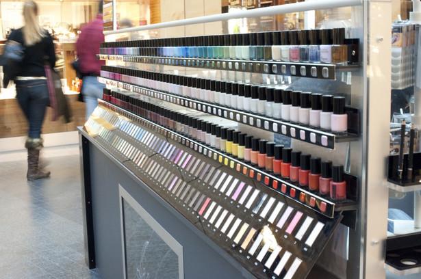 Parlament Europejski ostatecznie zatwierdził dziś nowe przepisy UE dotyczące kosmetyków, które mają zagwarantować większe bezpieczeństwo.