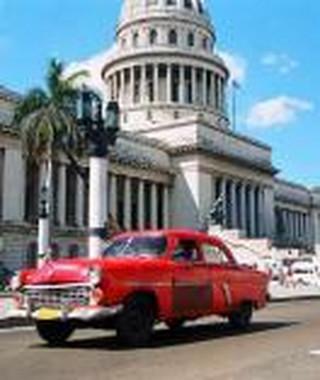 Polacy coraz częściej wypoczywają na Kubie