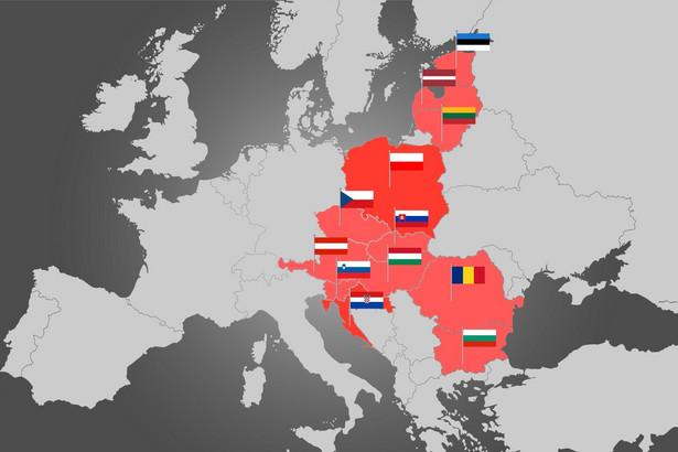 Pierwszego dnia szczytu odbywa się Forum Biznesowe Trójmorza; drugi dzień poświęcony będzie dyskusjom politycznym. Podczas szczytu Bułgaria przekaże Łotwie prezydencję w Inicjatywie Trójmorza.
