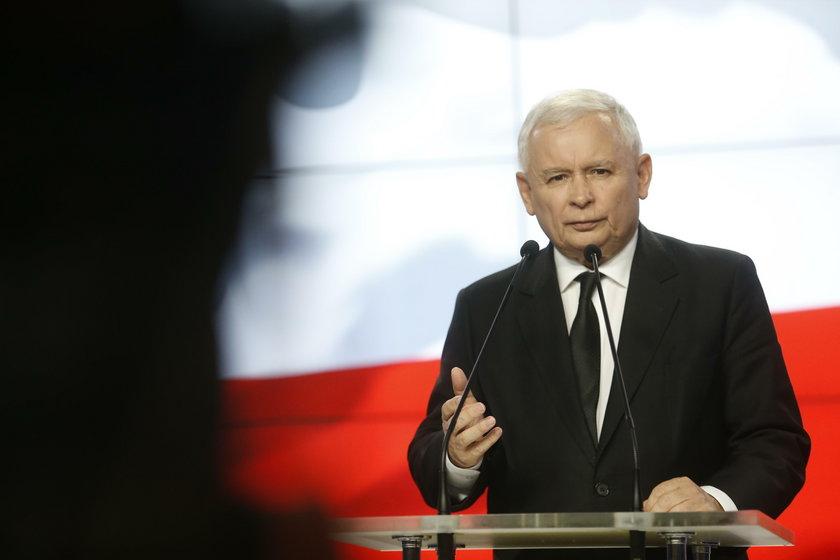 Szydło nie nadąża za Kaczyńskim?