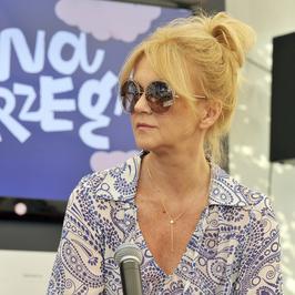 Grażyna Torbicka zachwyciła stylizacjami na festiwalu. Dziennikarka udowodniła, że klasyka nie musi być nudna