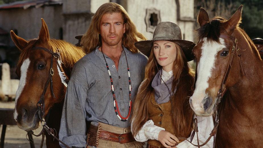 "Jane Seymour i Joe Lando w serialu ""Doktor Quinn"""