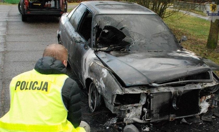 49-letni mieszkaniec Tczewa podpalił auto swojego znajomego