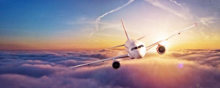 avion shutterstock_739323955
