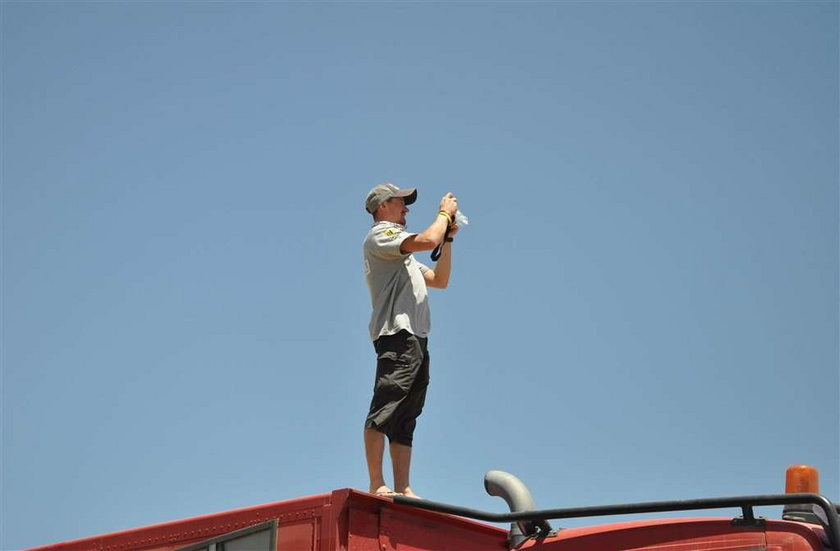 Adam Małysz wykorzystał dzień wolny w Rajdzie Dakar, by robić zdjęcia z dachu ciężarówki
