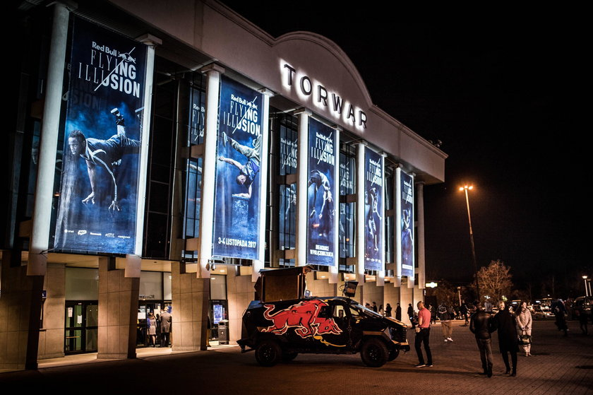 Red Bull Flying Illusion w Warszawie