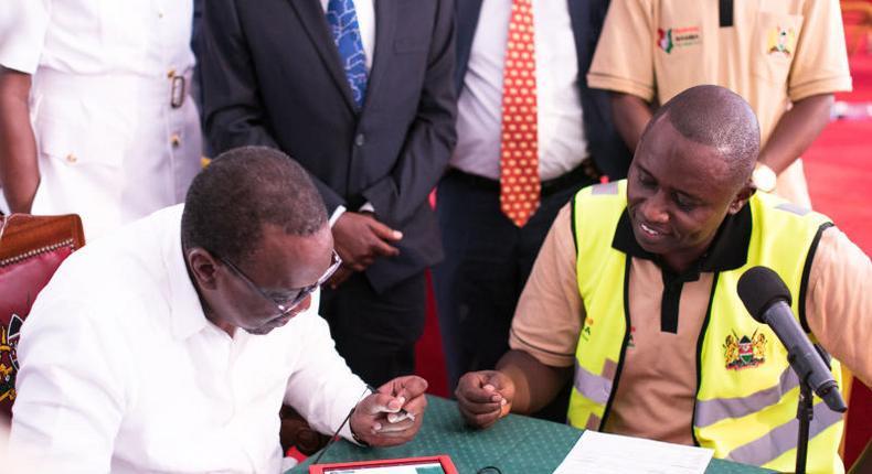 President Uhuru Kenyatta registering for Huduma Namba