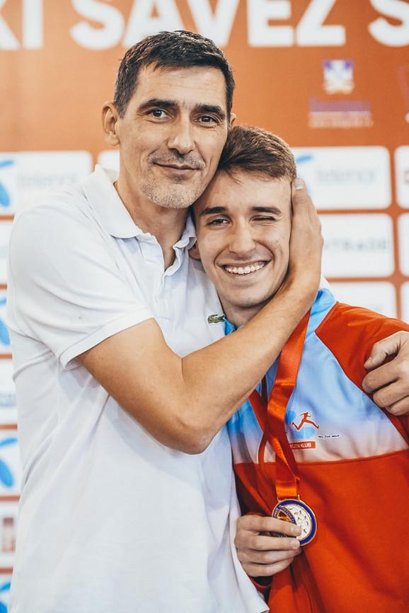 Luka Dimitrijević sa svojim trenerom Dragutinom Topićem