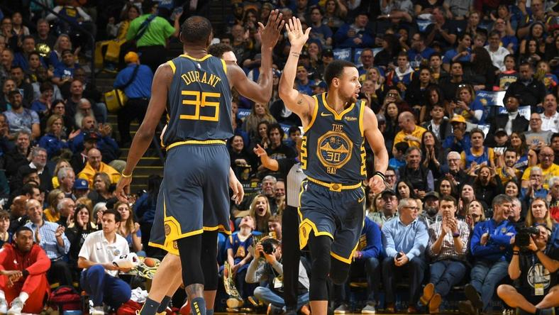 Steph Curry moved up in the NBA three point list (NBA)