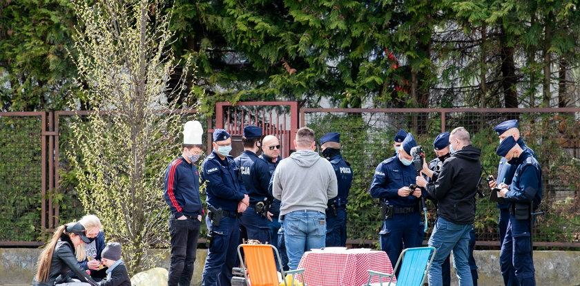 Co się tam działo?! Upiekli kaczkę przed domem Jarosława Kaczyńskiego