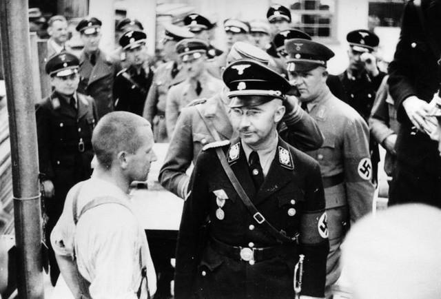 Komandant Šucštafela Hajnrih Himler