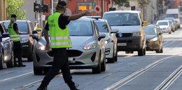 Ulica zamknięta, straż miejska wali mandaty