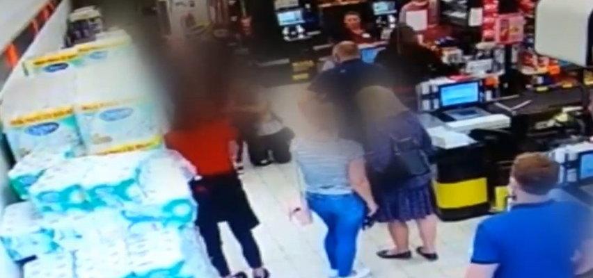 Chłopiec dławił się lizakiem w Biedronce, policjant uratował mu życie