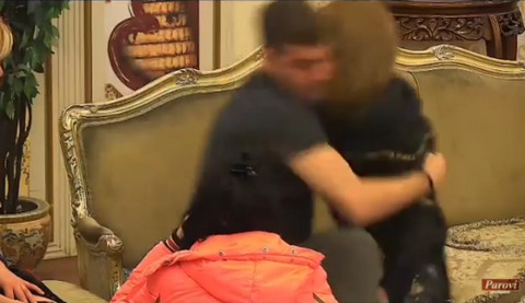 Skandal: Novo NASILJE NAD ŽENOM u Parovima! Video