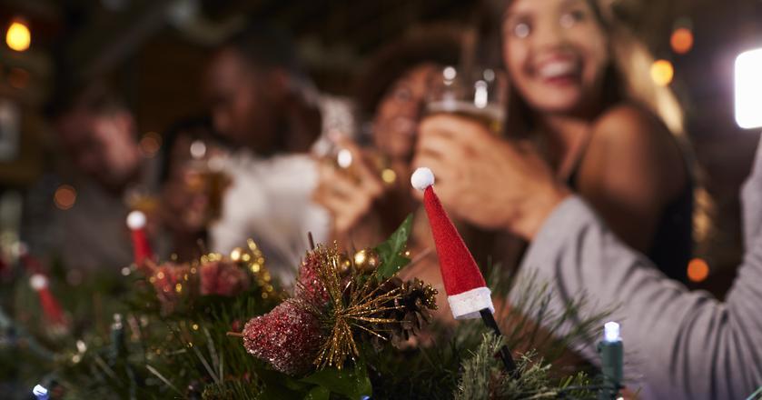 Na służbowej wigilii nie przesadzajmy z alkoholem