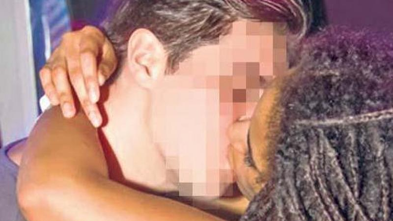 csókolózás közben