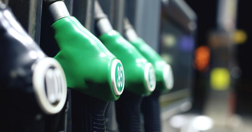 Przedstawiciele branży zwracają uwagę, że restrykcyjne przepisy i rosnąca biurokracja, skutkują spadkiem liczby stacji paliw, przede wszystkim małych i niezależnych